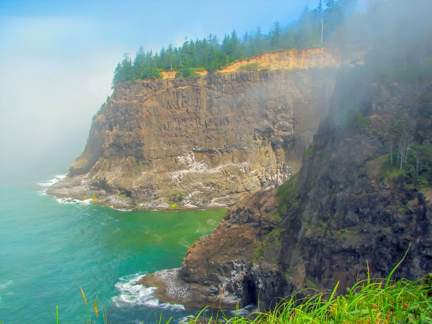 Cliffs at the Oregon coast